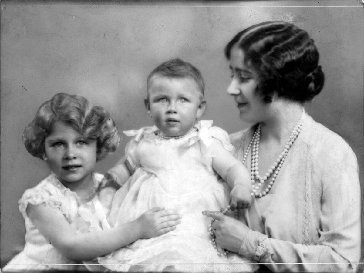 Young Queen Elizabeth Mother Queen Elizabeth II