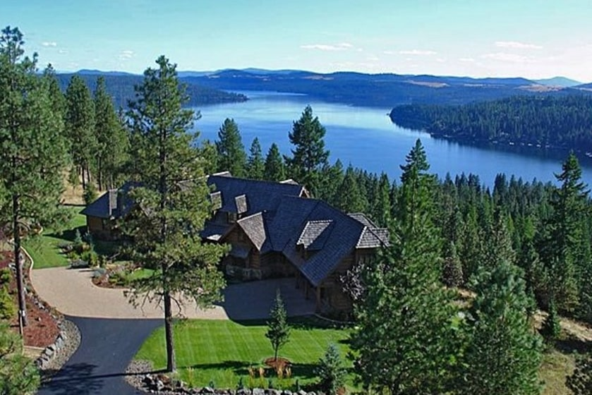 Home Home On The Lake Beautiful Resdiences Near The Water For Sale