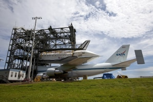 nasa shuttle facility asian personals Space shuttle discovery was launched on a mission to service the hubble space telescope one year ago: two space commanders opened the door to destiny,.
