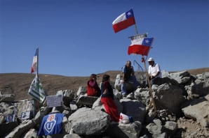 chilean copper mine collapse communication to families