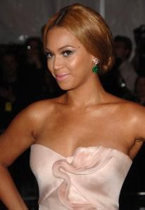 L'Oreal denies lightening Beyonce's skin in ad