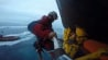 Video: Activists mount Shell rig with ropes, pullies