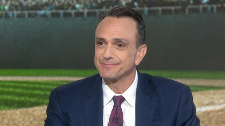 who does hank azaria play in the simpsons