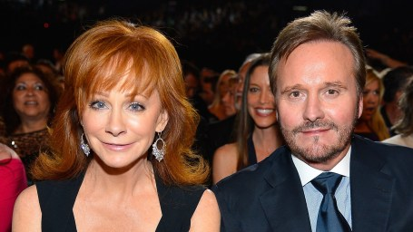 Today pop culture celebrity news photos tv movies for Who is reba mcentire married to now