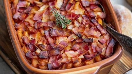 Bacon recipes: Bacon-Topped Baked Beans