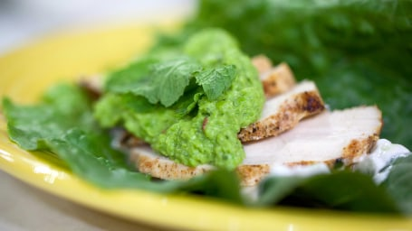 Crunchy Spiced Chicken Lettuce Wrap with Green Pea Guacamole