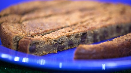 Danny Seo's chocolate chip cookie cake
