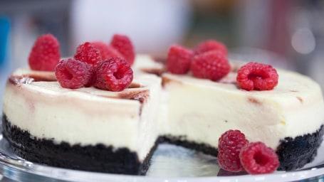 20 foods that taste better frozen: Cheesecake
