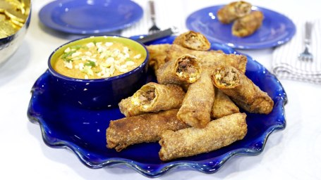 Adam Richman's Pulled Pork Egg Rolls