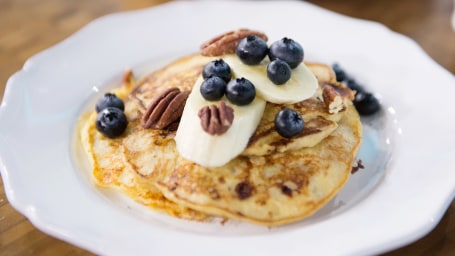 Joy Bauer's Healthy Banana and Cottage Cheese Pancakes