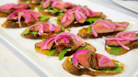 Siri Daly's Steak Toasts