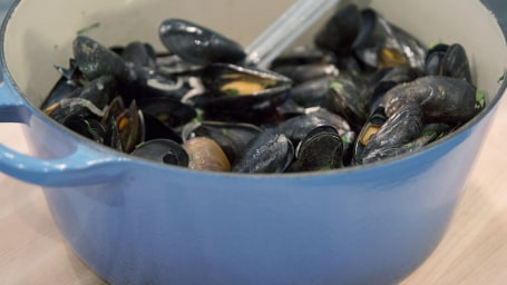 Katie Lee's One-Pot Mussels