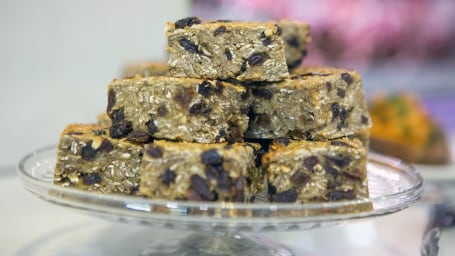 Ella Mills' Peanut Butter Honey Oat Bars