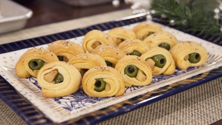 """Damaris Phillips, author of the cookbook """"Southern Girl Meets Vegetarian Boy,"""" joins Megyn Kelly TODAY to demonstrate delicious and easy holiday appetizers, including baked brie, olives in a blanket, and spinach and feta tarts."""
