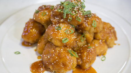 "Apricot-Sesame Cauliflower ""Wings"""