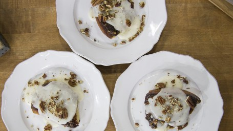 Ryan Scott's Crock Pot Dairy-Free Coconut Sticky Cinnamon Buns