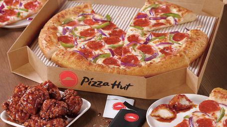 Pizza Hut has pledged to serve antibiotic-free chicken wings by 2022.