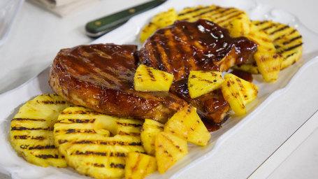 Nick Mangold's Backyard BBQ Porkchops