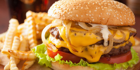 double cheeseburger with tomato and onion, national cheeseburger day 2018, national cheeseburger day deals