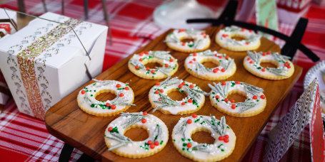 Martha Stewart's Meyer-Lemon Shortbread Wreath Cookies + Chai Snowballs + String-Light Christmas-Tree Cookies