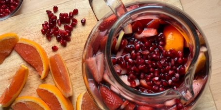 Joy Bauer's Pomegranate Sangria