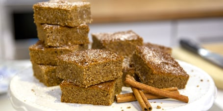 Samah Dada's Snickerdoodle Cake Bars