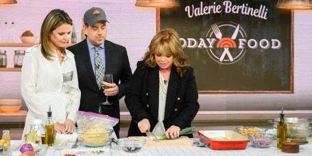 Valerie Bertinelli's Crunchy Mustard Chicken Bake