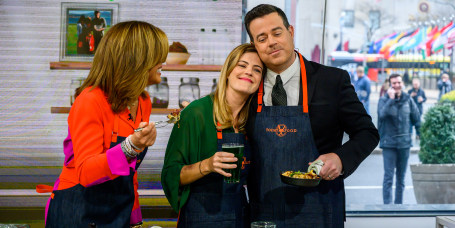 Siri and Carson Daly's Corned Beef Hash & Eggs + Carson's Black Velvet Cocktail