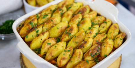 Sunny Anderson Mam's Roasted Rosemary and Thyme Potatoes + Roasted Potato Cottage Pie + Twice Baked Potato Ramekins