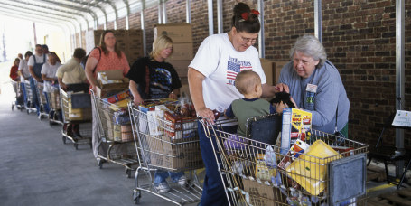 People with Shopping Carts at McArthur Foodbank