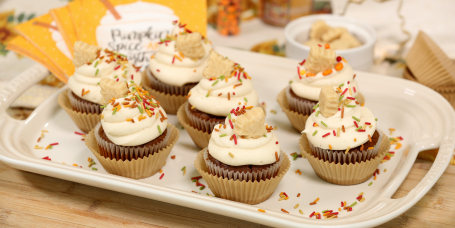 Sandra Lee's Pumpkin Spice Maple Cupcakes