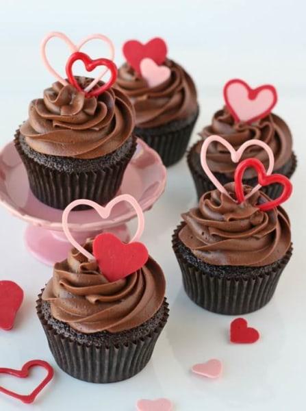 Chocolate Valentineu0027s Heart Cupcakes