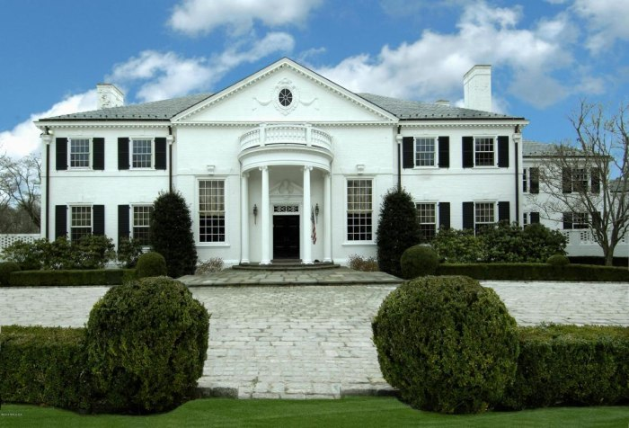 Donald trump 39 s former home on the market for 54 million for House hits 88
