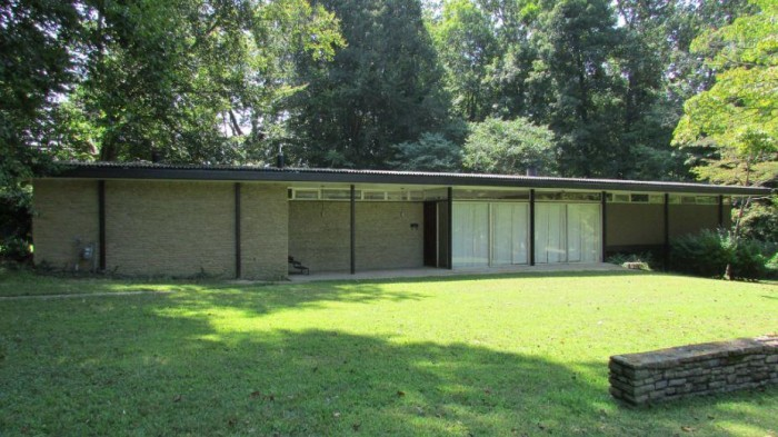 Live Like 39 Mad Men 39 10 Mid Century Homes For Sale Across