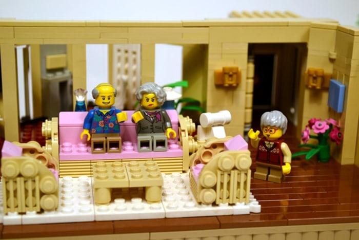 Sam Hatmaker / Lego