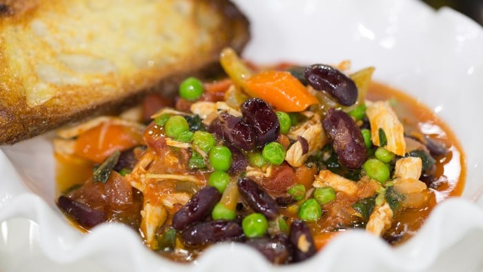 Giada De Laurentiis cooks a one-skillet chicken stew
