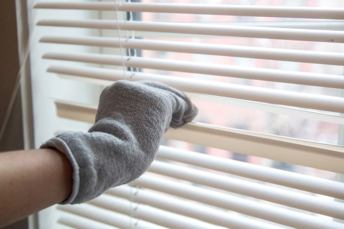 cleaning or ogden window orig naperville for mini looking blinds douglas hunter in blind custom experts repair
