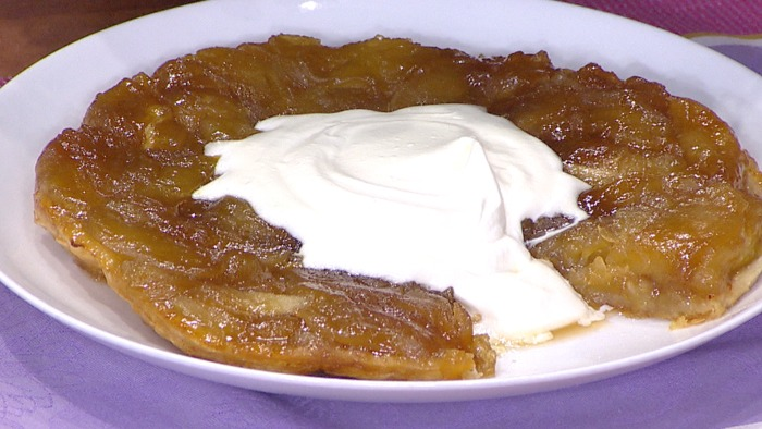 Mark Murphy cooks a tarte tatin on TODAY April 27, 2015.