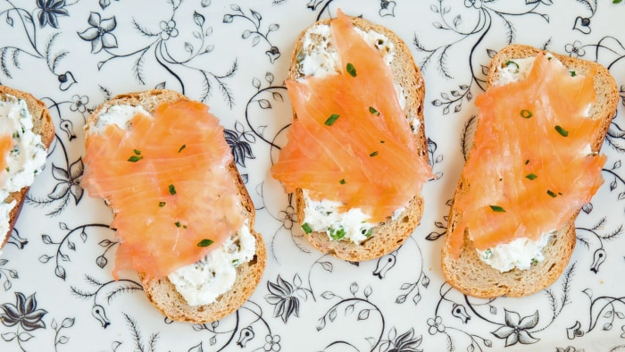 Smoked Salmon and Cream Cheese Toasts