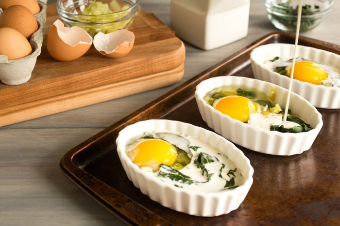 How to prepare Creamy Baked Eggs with Leeks and Spinach and variations: Antipasti Baked Eggs; Mediterranean Baked Eggs; and Breakfast Pizza Baked Eggs