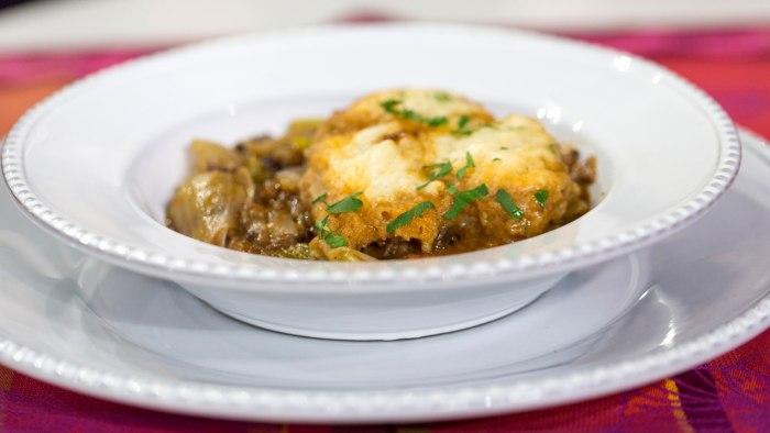 Al Roker cooks oxtail stew and dumplings