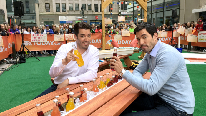 Property Brothers Background Property Brothers Jonathan And