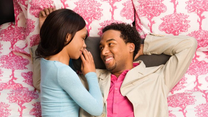 Body language clues that say shes interested