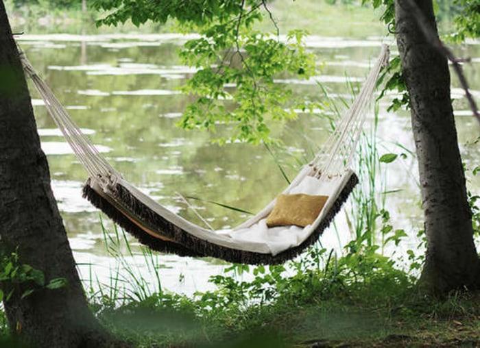 Diy hammocks and swing chairs for Diy macrame hammock