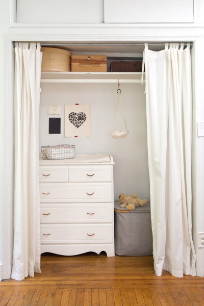 reading my tea leaves' blogger erin boyle shows off tiny apartment