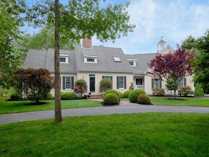 Look Inside This Picture Perfect Cape Cod Home Today Com