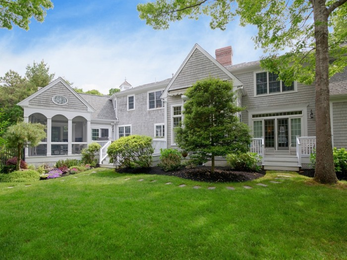 Look inside this picture perfect cape cod home for Cape cod model homes