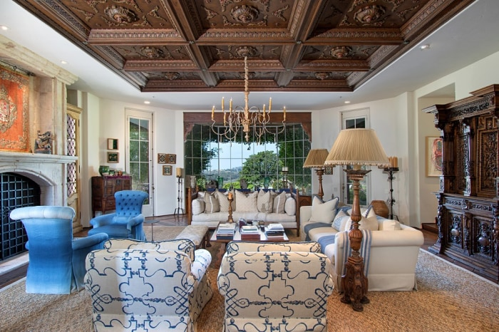 Jenny Craig S Luxurious Former Home Including Its Car