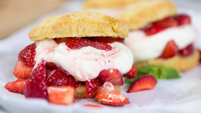 Al Roker's recipe for a delicious strawberry shortcake with homemade whipped cream