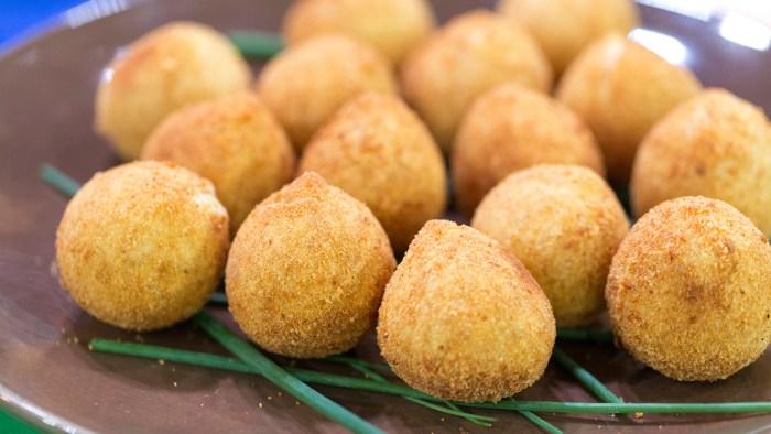Brazilian chicken croquettes (coxinhas)